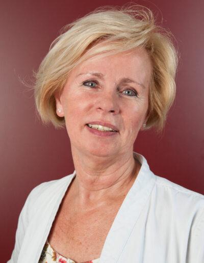 Christiane Zantis, Helferin